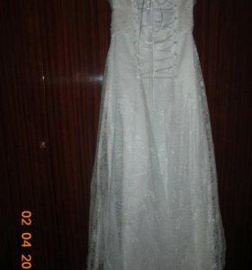 Свадебное платье,кольца на машину и туфли