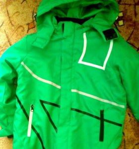 Весенняя куртка(128р)