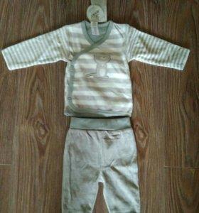 Новый костюм велюр на 1 -3 мес