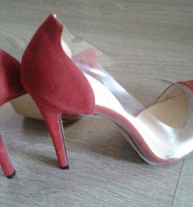 Продам красивые женские туфли