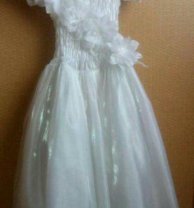 Платье на девочку (б/у)+ перчатки