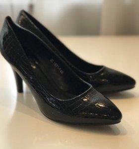Туфли лакированные бу