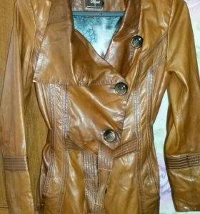 Куртка кожаная женская. Возможен разумный торг.
