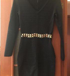 Очень красивое платье.одевала один раз.