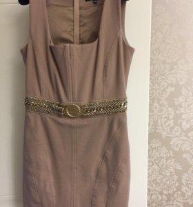 Платье на подкладке.
