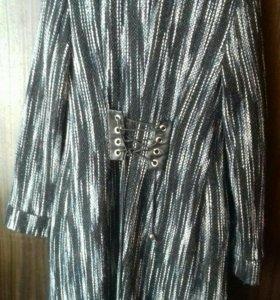 Пальто с корсетом