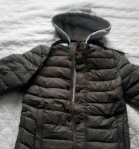 Куртка на мальчика размер 28 новая