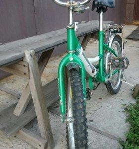 Велосипед детский четырехколесный