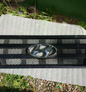 Решетка радиатора Hyundai HD