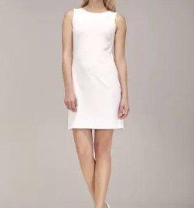 Белое платье по фигуре