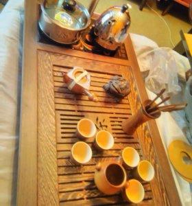 Столик и набор посуды для чайной церемонии