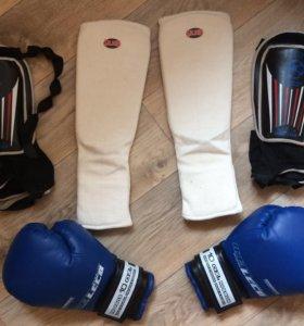 Боксёрские перчатки , защита голеностопа