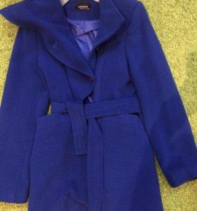 Пальто для девочки на 13-14 лет