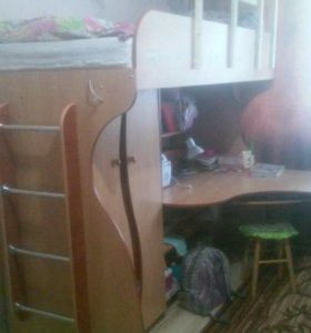 Кровать чердак вместе с матрасом