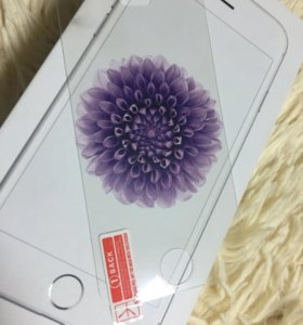 Защитное стекло на айфон 4