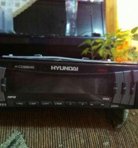Автомагнитола Hyundai H-CDM8040