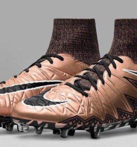 Профессиональные футбольные бутсы Nike