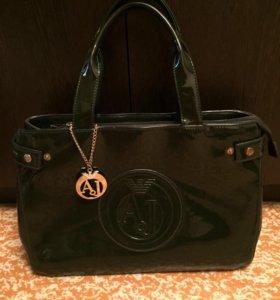 Женская лаковая сумка Armani
