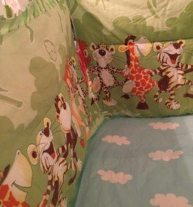 Высокие бортики в детскую кроватку