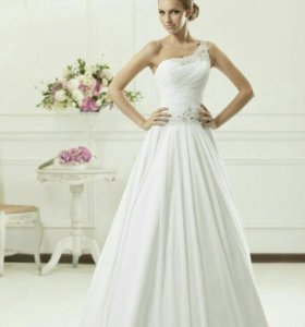 Свадебное платье фата шубка перчатки