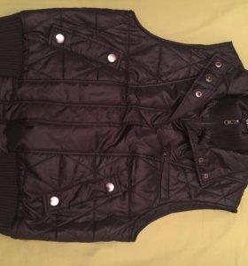 Куртка без рукавов новая