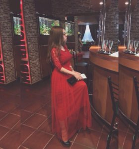 Вечернее кружевное красное платье в пол