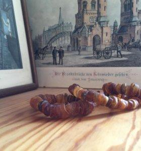 Янтарные бусы и браслеты