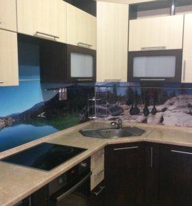 Кухонный гарнитур (посудомоечная машина в подарок)