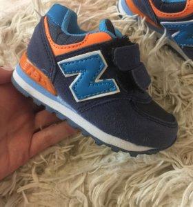Детские кроссовочки новые