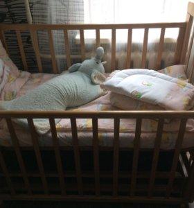 Кроватка, комод