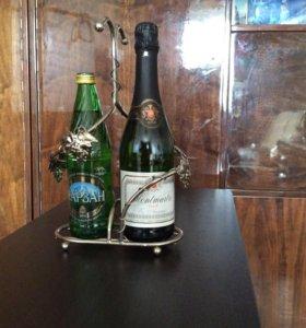 Продам серебрянную подставку под 2 бутылки
