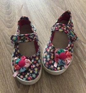 Тряпочные сандали на девочку