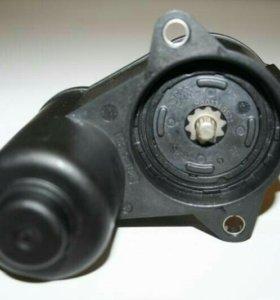 Электромотор суппорта тормозного Ауди фольксваген