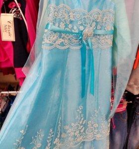 Платье. Нарядное. Новое.