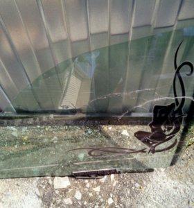 Стекло на ауди 100 45 кузов левая дверь водительск