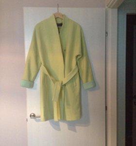 Пальто Belucci новое