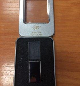 USB флешка на 16GB