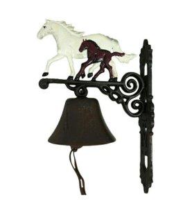 Чугунный колокол Лошадь белая с темным жеребенком