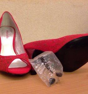 Красивые туфли. Новые.