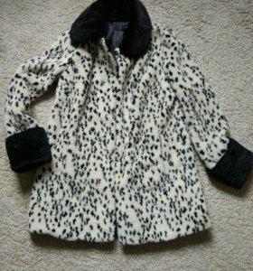 Верхняя одежда: пальто, куртка, кожаная куртка.