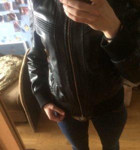 Кожаная куртка (кожзам)