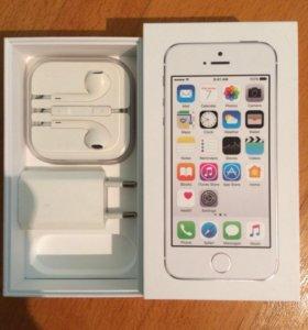 iPhone 5 s Silver 16 GB в идеальном состоянии.