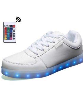 На пульте управления Светящиеся led кроссовки