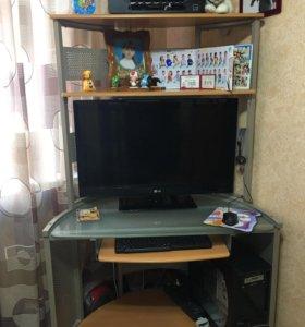 Стол компьютерный в отличном состоянии