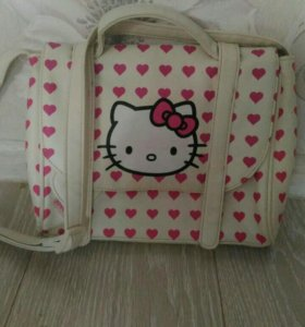 Очень милая сумочка HELLO KITTY