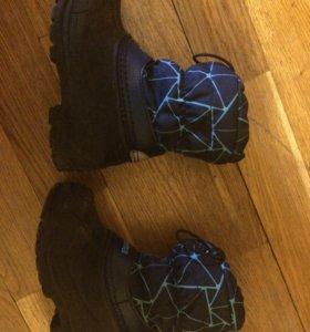 Сапоги( ботинки ) reima 26 размер