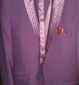 Смокинг ( Малиновый пиджак и брюки, джакет,к нему