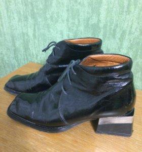 Лаковые ботинки 36
