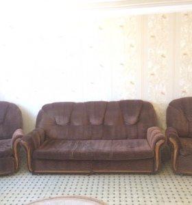 Диван , 2 кресла.