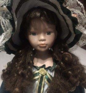 Фарфоровая кукла 55 см
